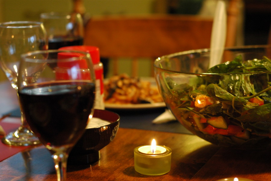 Moroccan_salad_and_wine